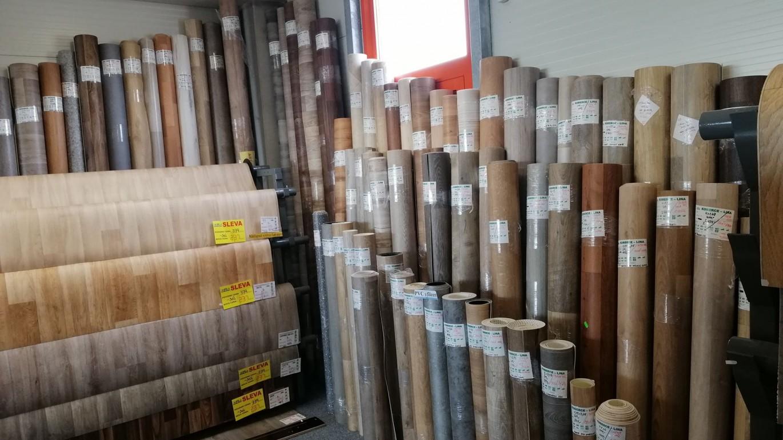 Sleva 50% na zbytkové role PVC a koberců. Akce platí do konce září. Role různých rozměrů a barev naleznete v Podlahovém centru JeHla Olomouc. VÍCE ZDE